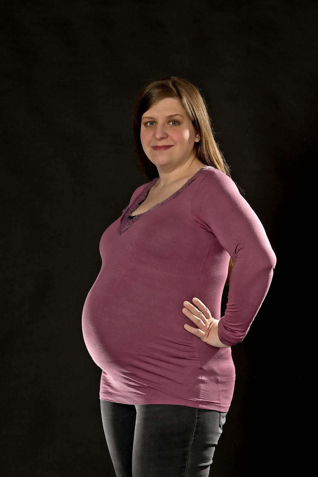 Babybauchshooting-im-Profil